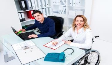 장애인 근로자를 고용하면 표준사업장설립 신청을 할 수 있다?